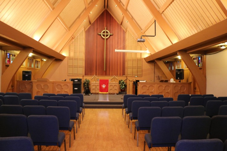 The chapel suits smaller gatherings
